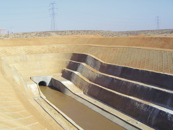 12.水库输水洞出口消能池