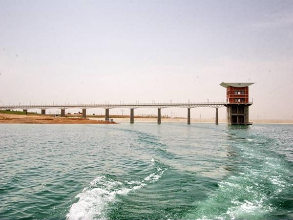 10.输水塔、工作桥远景